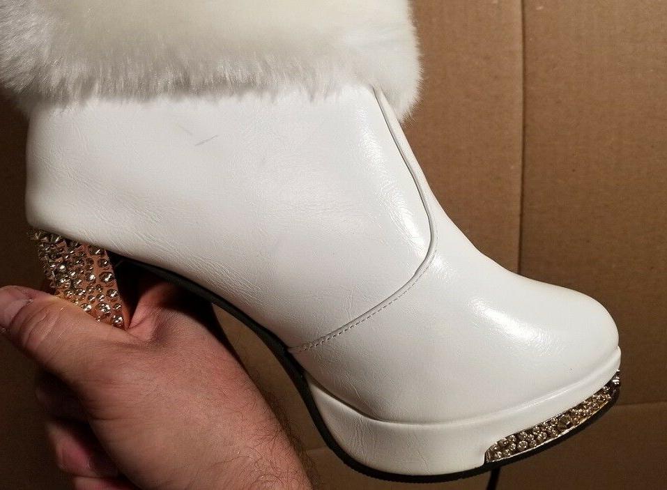 BRAND NEW Boots Sz