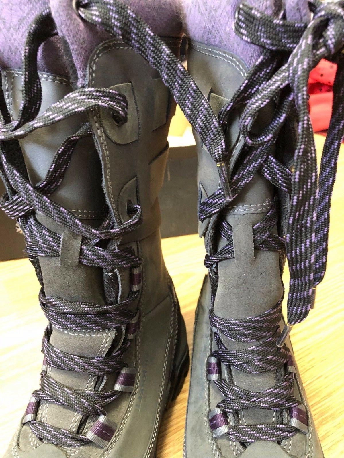 NIB Merrell Rove Peak Boot