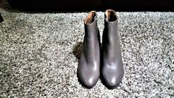 NWOB- Vionic Perk Kennedy - Women's Heeled Boot- Size 8- Col