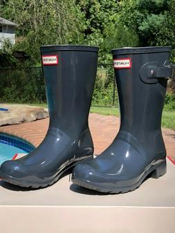 Hunter Original Size 7 & 8 Tour Short Gloss Rain Boot in Dar