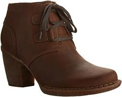 CLARKS Women's Carleta Lyon Boot, Brown Oiled Nubuck, 7.5 M