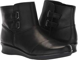 CLARKS Women's Hope Cody Fashion Boot, Black Leather, 100 M