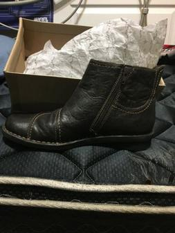 Clarks Womens Ankle Boots Zip-side Size 8.5M Black/Dark Brow