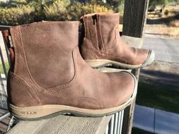 womens keen boots. Never Worn. Size 9