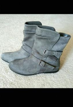 ID Required Womens Boots Size 8 Ankle Bootie Gray Faux Suede