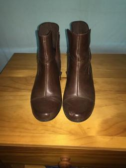Clarks Womens Brown Leather  Ankle Boots Side Zip Size 7 M