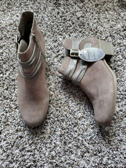 White Mountain Womens Desire Brown Ankle Boots Shoes 9.5 Med