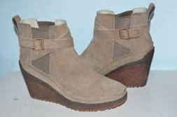 Merrell Womens Tremblant Wedge Mid Platform Boots Shoes 9 NE